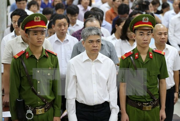 Death sentence to former Ocean Bank Director General Nguyen Xuan Son hinh anh 1