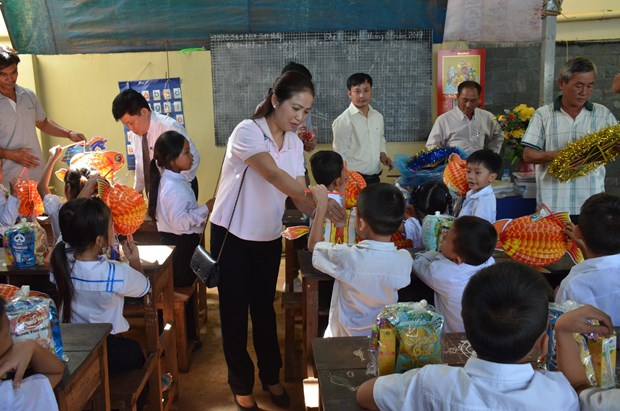 OVs in Cambodia build school for students in remote area hinh anh 1