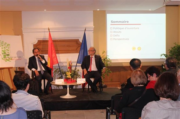 Workshop in France spotlights Vietnam's economy hinh anh 1