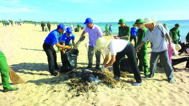 VN needs environmental security strategy: experts hinh anh 1