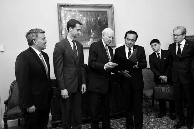 US Senate honours late Thai King Bhumibol Adulyadej hinh anh 1
