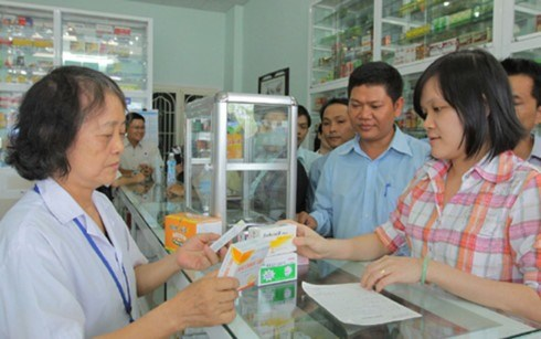 Health ministry cracks down on sale of antibiotics hinh anh 1