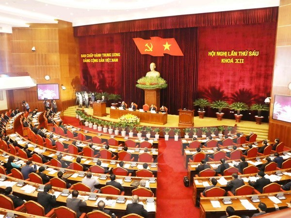 Party Central Committee continue discussing socio-economic affairs hinh anh 1
