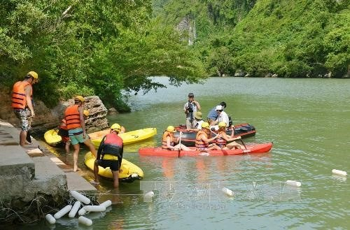Experts: Eco-tourism should not destroy biodiversity hinh anh 1