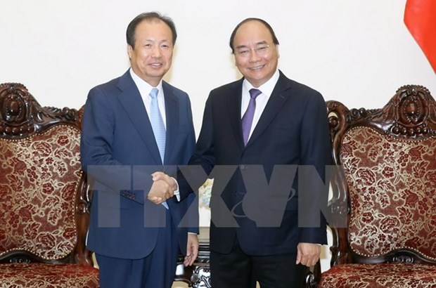 PM pledges optimal conditions for Samsung hinh anh 1