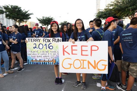 HCM City run to support cancer patients hinh anh 1
