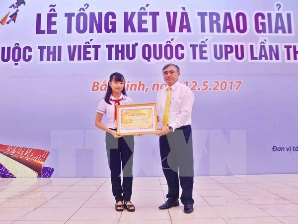 Vietnam celebrates 30th year participating in UPU contest hinh anh 1