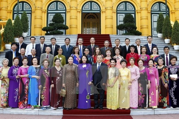 Vice President greets former Vietnamese teachers in Thailand hinh anh 1