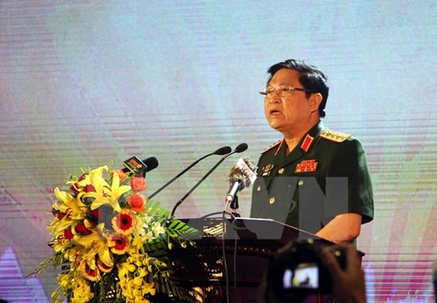Defence Minister pays official visit to Indonesia hinh anh 1