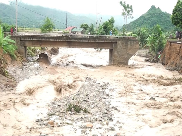 Floods take heavy toll on Son La province hinh anh 1