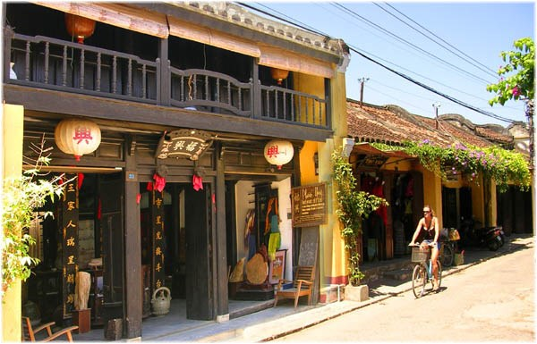 Tours offer insights into Quang Nam's beauty, culture hinh anh 1