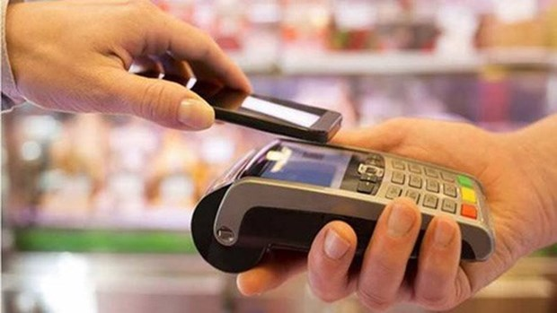 Central bank issues plan to develop card payment hinh anh 1