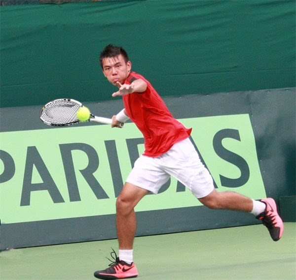 Vietnamese tennis player qualifies for Thailand F8 quarters hinh anh 1
