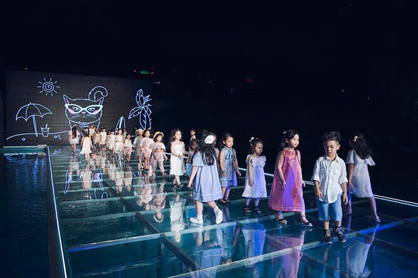 Vietnam Junior Fashion Week 2017 to open in HCM City hinh anh 1