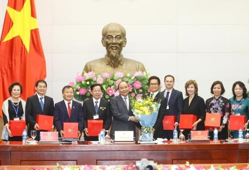 PM pledges continued support for business community hinh anh 1