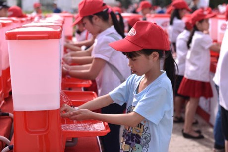 Vietnam responds to Global Handwashing Day hinh anh 1