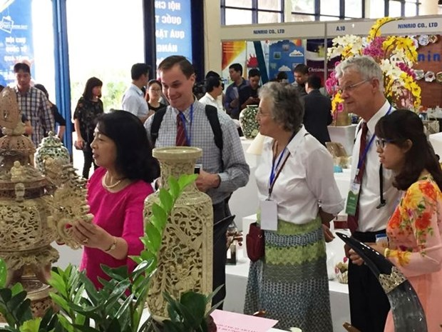Hanoi Gift Show 2017 opens hinh anh 1
