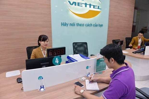 Telecoms, IT, retail firms top Vietnam's profit-making list hinh anh 1