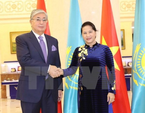 Top legislator concludes official visit to Kazakhstan hinh anh 1