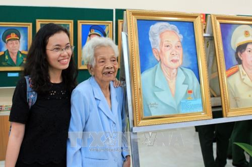 Portraits of Heroic Vietnamese Mothers, heroines exhibited hinh anh 1