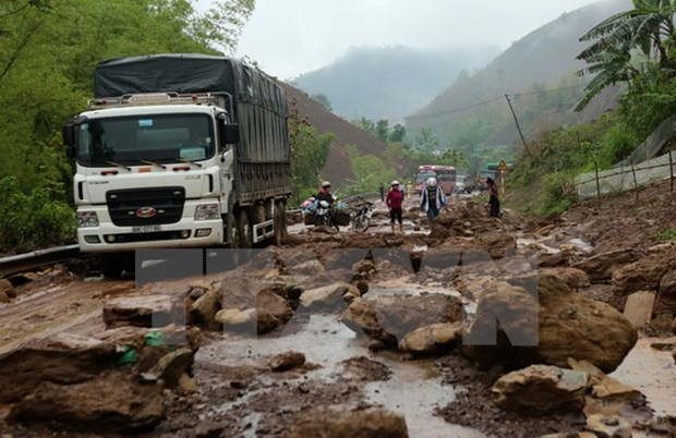 Yen Bai: mountainous Tram Tau district faces landslide risk hinh anh 1