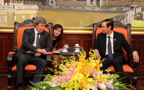 Hanoi enhances cooperation with Argentina hinh anh 1