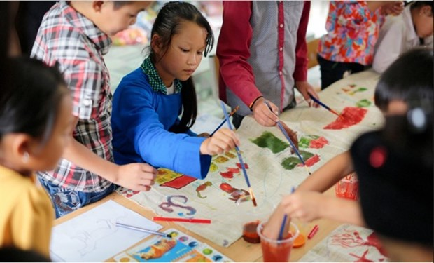 Exhibition features ethnic minority kids' art hinh anh 1