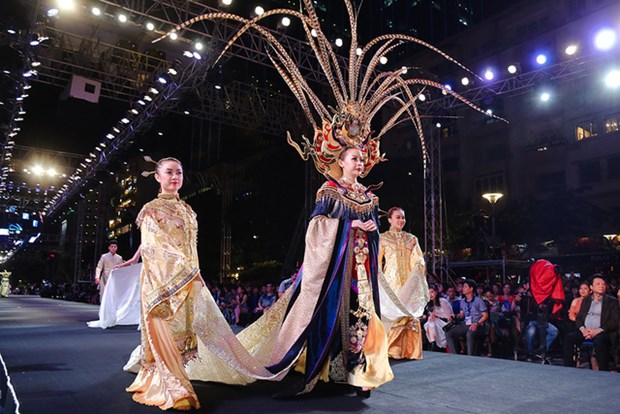 First Fashionology Festival opens in Ho Chi Minh City hinh anh 1