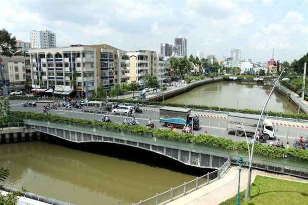 Planner suggests 'twin city' model for HCM City hinh anh 1
