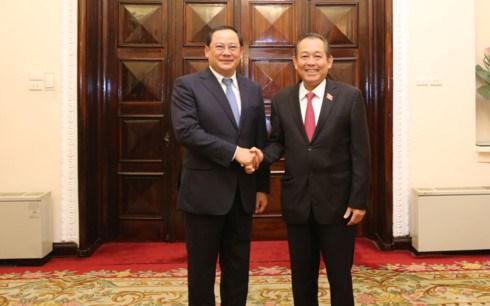 Vietnamese, Lao Deputy PMs hold talks hinh anh 1