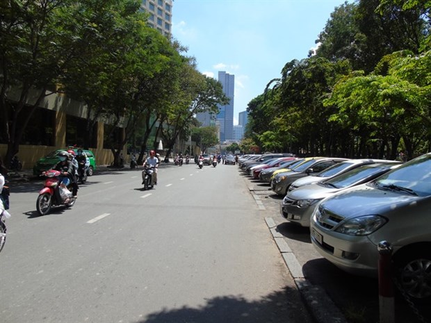 Smart parking app debuts in downtown HCM City hinh anh 1