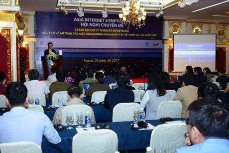 Wired VN faces new security threats hinh anh 1