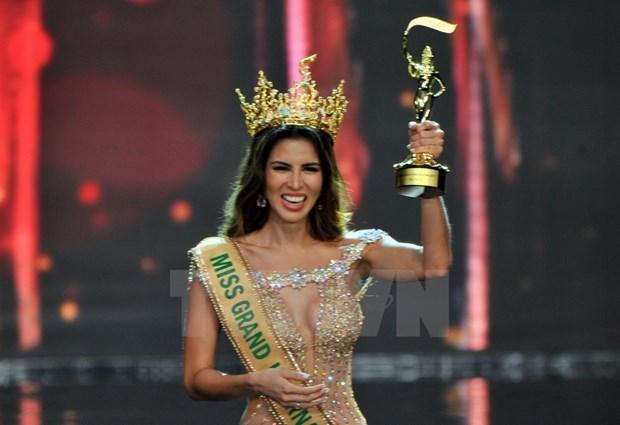 Peruvian wins Miss Grand International 2017 hinh anh 1