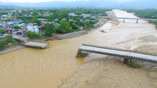 Foreign leaders send sympathy to Vietnam over flooding hinh anh 1