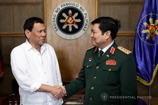 Vietnam, Philippines seek to strengthen defence cooperation hinh anh 1