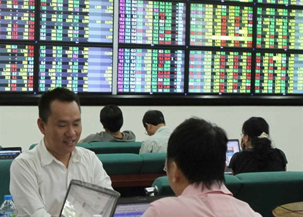 VN Index dips after two-day rise hinh anh 1
