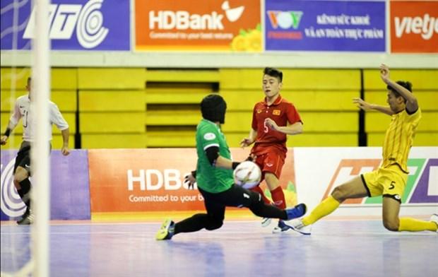 Vietnam beat Brunei 18-0 in regional futsal tourney hinh anh 1