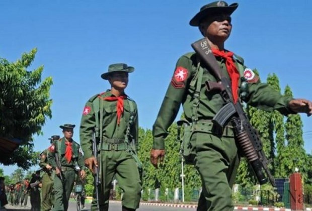 Myanmar: Thousands people march in support of military hinh anh 1
