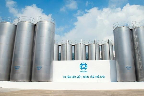 Vinamilk tops list of prestigious food – beverage firms in 2017 hinh anh 1