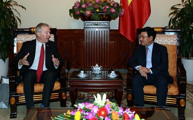 Deputy PM Pham Binh Minh meets outgoing US ambassador hinh anh 1