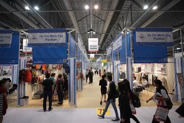 Vietnamese goods shown at Hong Kong fashion fair hinh anh 1