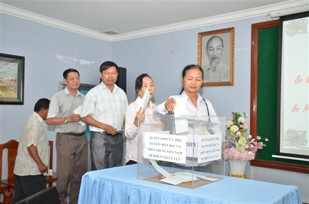 Overseas Vietnamese in Cambodia support flood victims hinh anh 1