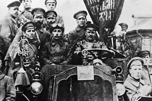 Activities mark 100th anniversary of Russian October Revolution hinh anh 1