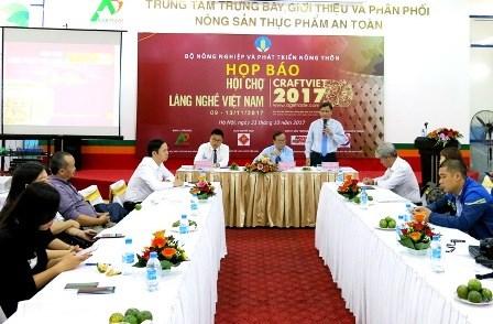 Hanoi destined for Vietnam craft village exhibition hinh anh 1