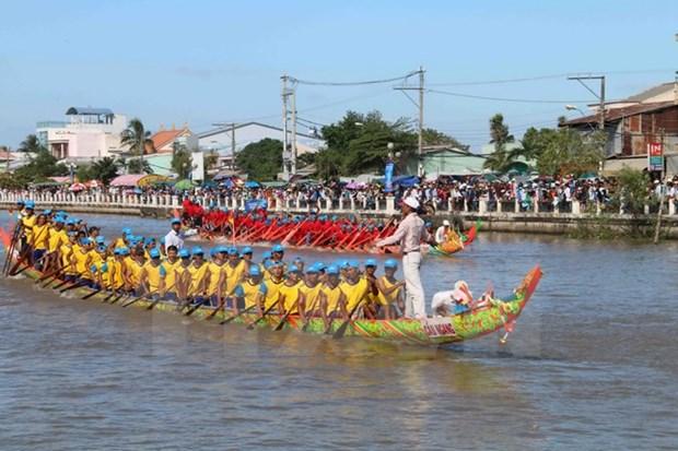 Khmer people celebrate Ok Om Bok festival hinh anh 1