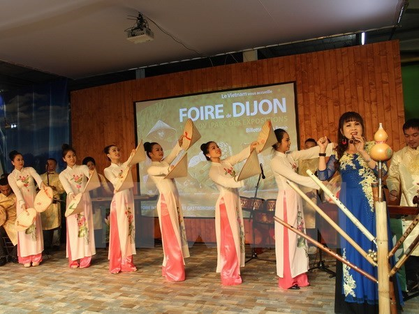 Vietnam joins French gastronomy fair as honorary guest hinh anh 1