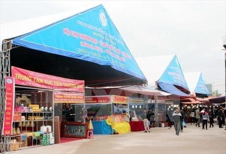 Vietnam-China trade fair opens in Lang Son hinh anh 1