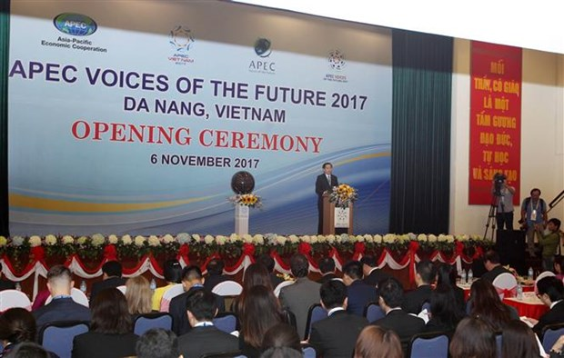 APEC 2017 Voices of the Future opens in Da Nang hinh anh 1
