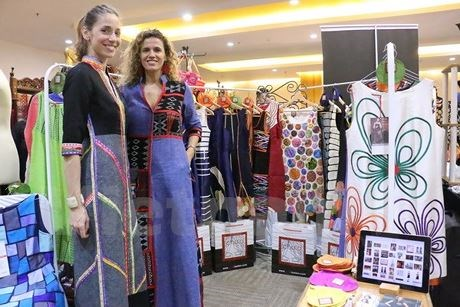 ASEAN women's charity fair underway in Indonesia hinh anh 1