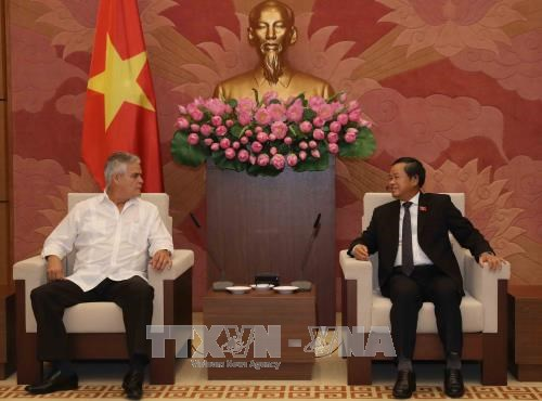 NA Vice Chairman receives Cuban guest hinh anh 1
